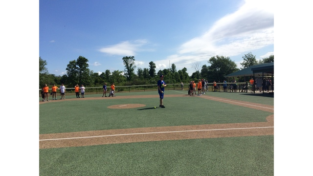 Buffalo Bisons team up with Miracle League to coach kids