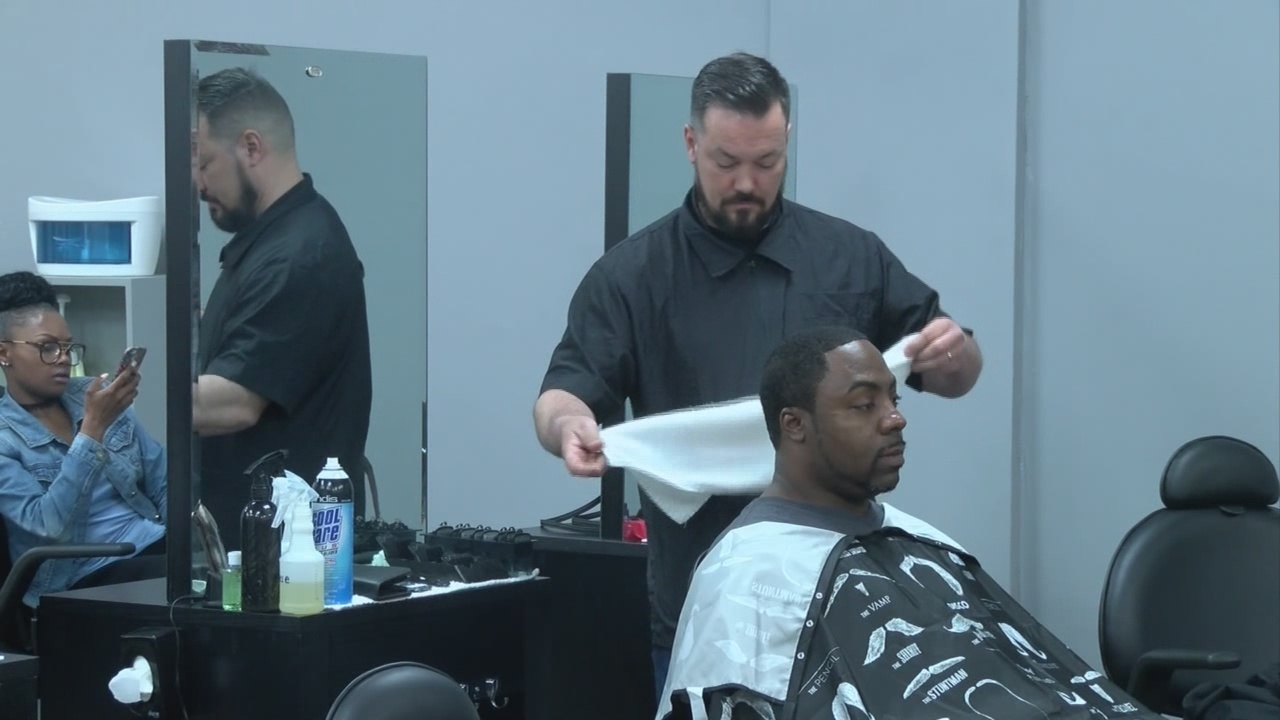 Students Learn Tricks Of The Barbering Trade At Sharp Edgez