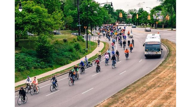 Slow Roll riders to meet at Buffalo History Museum