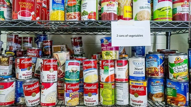 New York governor wants food pantries at every state college