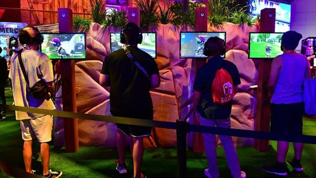 Parents paying up to $35/hr for 'Fortnite' coaches to help kids up their game