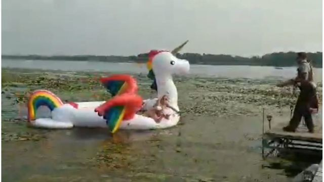 VIDEO: Deputies rescue women stranded on inflatable unicorn