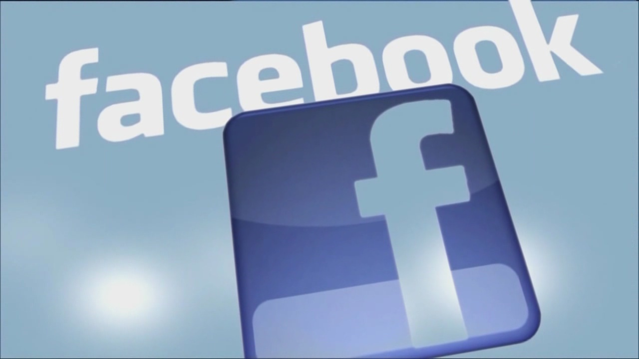 Facebook says bug may have exposed user photos to developers