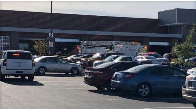 2 dead in shooting at Kroger grocery store outside Louisville, Kentucky, police say