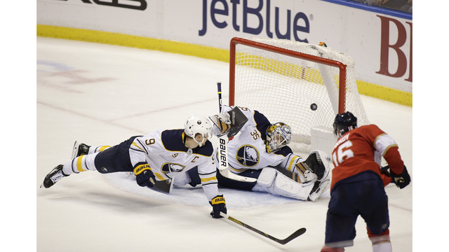 Sabres can't hold lead, drop 2nd straight