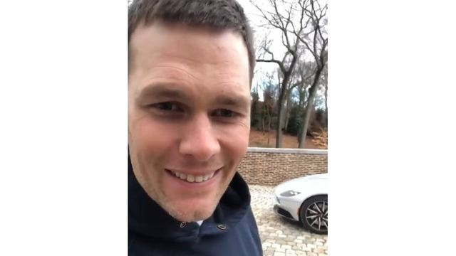 Tom Brady jokingly announces