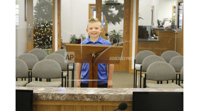 9-year-old gets Colorado town to end ban on snowball fights