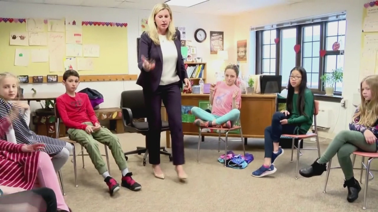 Fifth graders in Indiana taking mandatory etiquette class