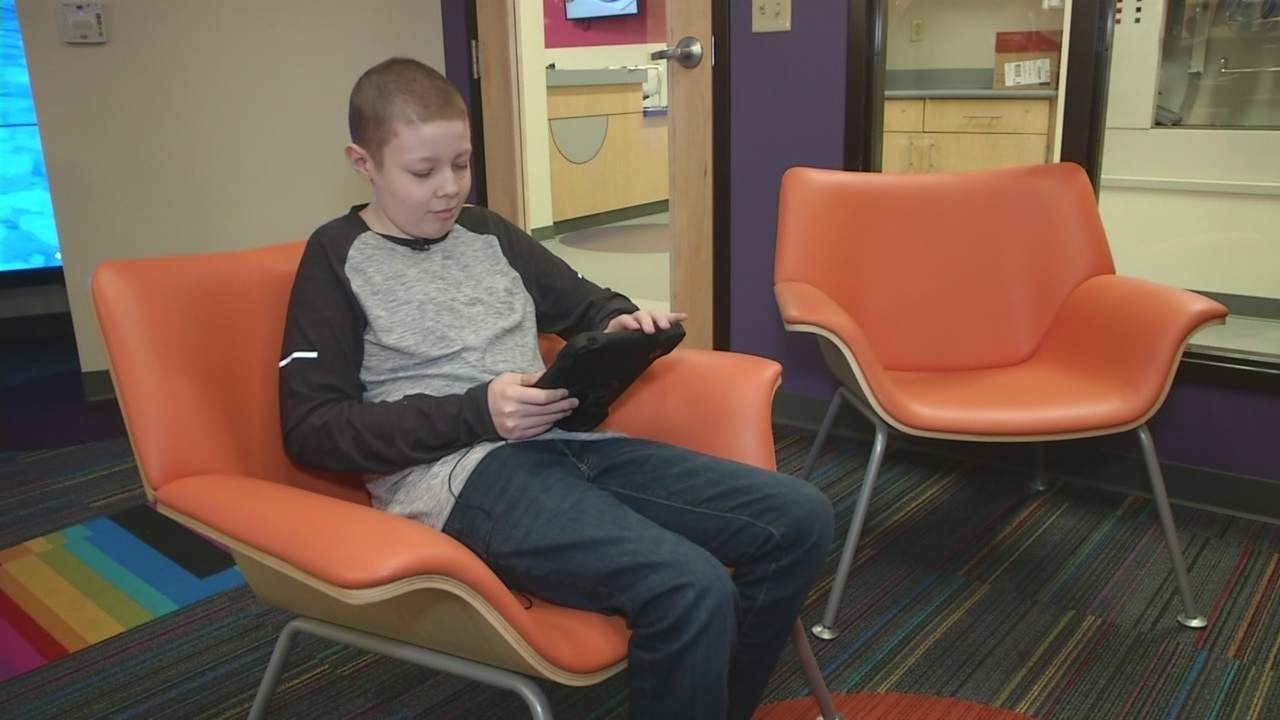 Roswell Park pediatric patients enjoying iPads, Kindles donated by Dalton Foundation