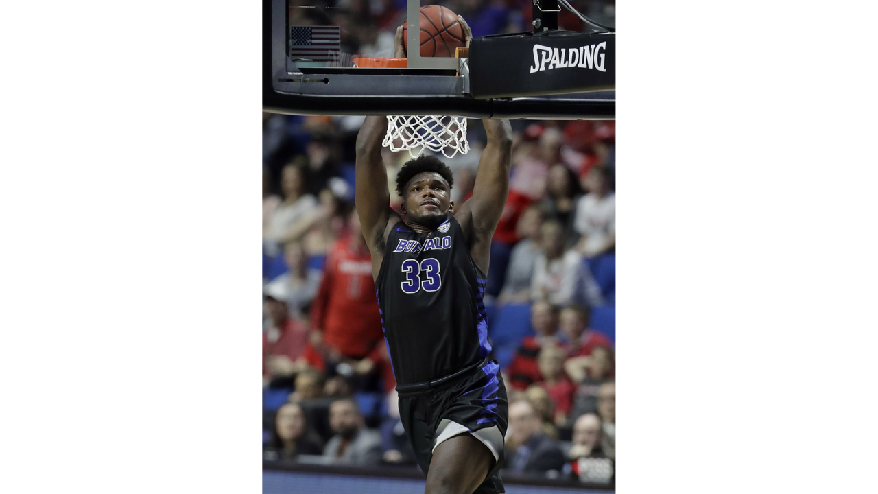 ub standout nick perkins joins lakers summer league team
